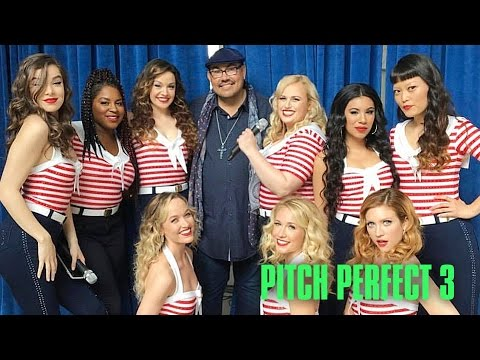 Pitch Perfect Cast Singing & Dancing in The Studio - Pitch Perfect 3 Behind The Scenes