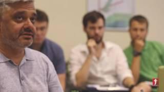 как читать мимику лица во время переговоров?