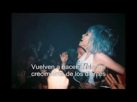 Crystal Castles - Pale Flesh (Subtitulada al español) III