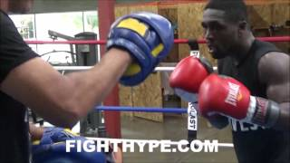 ANDRE BERTO RIPPING UPPERCUTS TO MITTS WITH VIRGIL HUNTER; READY TO BUST PORTER'S PRESSURE