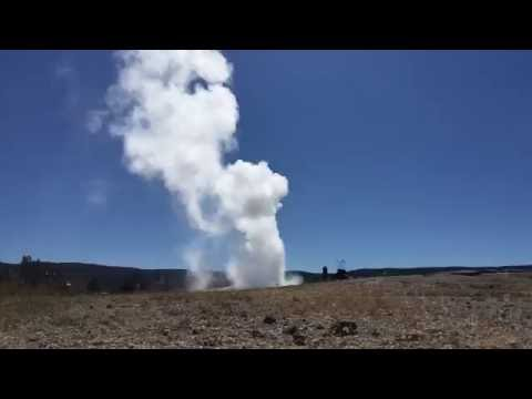 Time Lapse: Old Faitherful Geyser, Yellowstone National Park