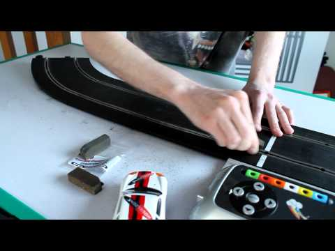 Otaku Scalextric test Hi Spec's New Double Decker Cleaners