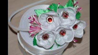 Ободок с цветами из лент/Headband flowers ribbon(Всем привет! В этом видео уроке я хочу вам показать как быстро и не сложно сделать ободок с цветами из лент..., 2016-07-04T16:05:58.000Z)