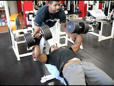 Luis rosario lifting 100 lbs dumbbells at physycal gym for Gimnasio fitness rosario