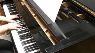 ピアノソロ用に弾きやすくアレンジしました。 作曲 久石譲 編曲・演奏 高島麻子 楽譜はこちら→ https://store.piascore.com/scores/28587.