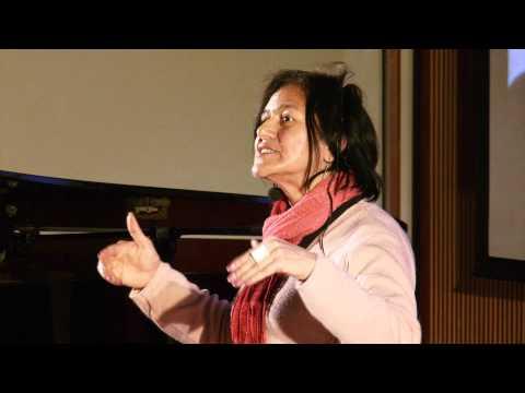 Los desechos son una oportunidad para cambiar el mundo: Albina Ruiz at TEDxTukuy 2011