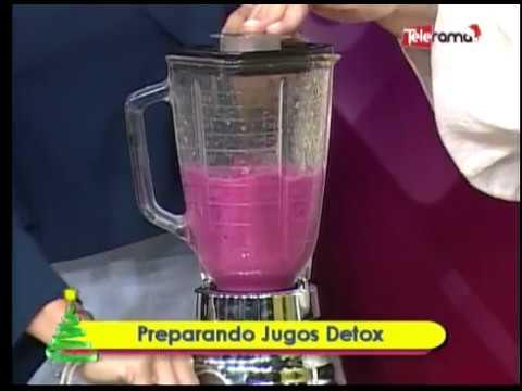 Preparando jugos detox
