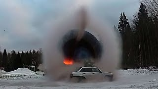 Легковушку испытали ударной волной взрыва замедленная съемка