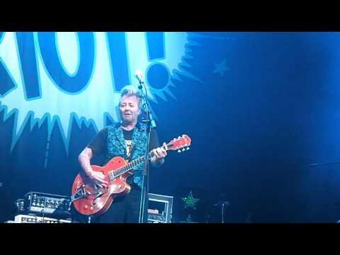 Brian Setzer Rockabilly Riot – Slow Down – Folsom Prison Blues