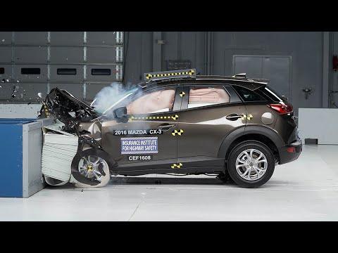 2016 Mazda CX-3 moderate overlap test