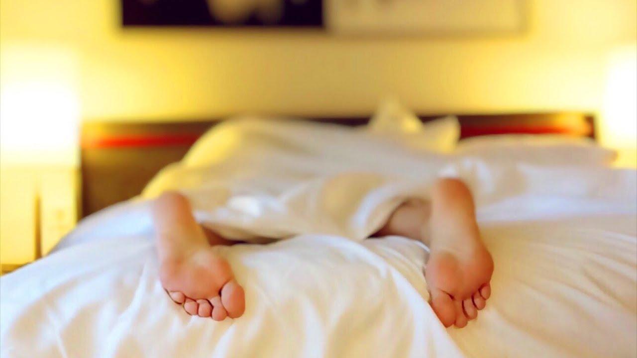 Música para Dormir rápido e relaxar profundamente, tranquila e calmante com SOM DE CHUVA REAL ASMR