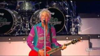 REO Speedwagon - Keep On Loving You (Live - 2010)