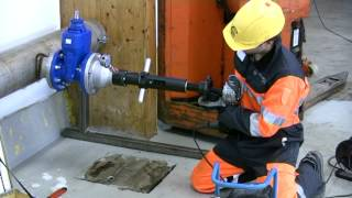 HOT TAPPING WITH TONISCO B30 USING FLANGED WELDABLE TEE AND FLANGED GATE VALVE