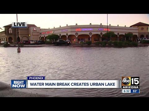 Massive water main break hits north Phoenix strip mall