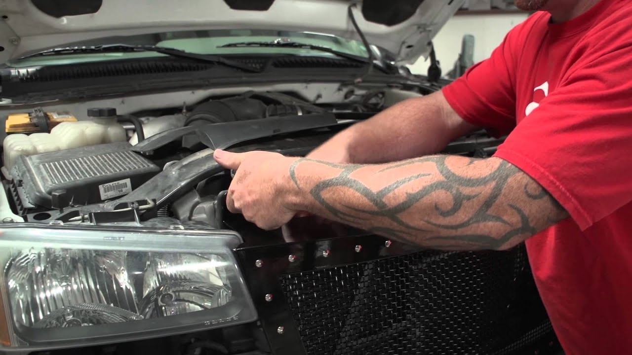 Chevy 2005 2500 3500hd 2006 and early 2007 status grille install youtube