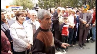 Գագիկ Ծառուկյանը սկսել է հանդիպումների շարքը խաղողի բերք մշակող գյուղացիների հետ