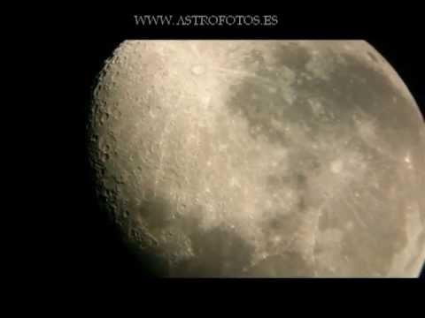 La Luna con telescopio y Sony Xperia P