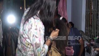 Video Tips Dandan Ala Sinden Cara Memakai Rambut Gelung - Make up Kakang Mbakyu Trenggalek 2014 download MP3, 3GP, MP4, WEBM, AVI, FLV September 2018