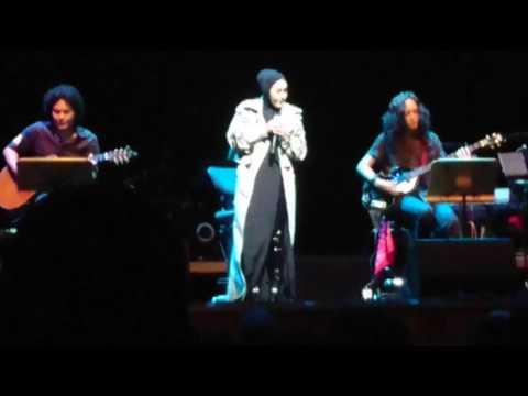 Ella Kembara Ratu Rock 2017 Medley 2 Akustik (Singapore - 22 July 2017)