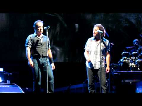 Bruce Springsteen (w/ Eddie Vedder) My Hometown - Wrigley Field 9/8/12