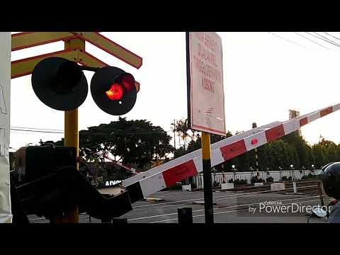 Kompilasi Perlintasan Kereta Api Di JPL 340 Bandara Adisucipto Yogyakarta
