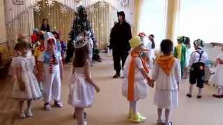 """Новогодний парный танец """"Слышишь кто-то идёт"""" на новогоднем утреннике в детском саду"""