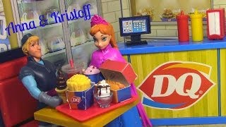 Frozen Anna and Kristoff go to MiWorld Dairy Queen Toy Review