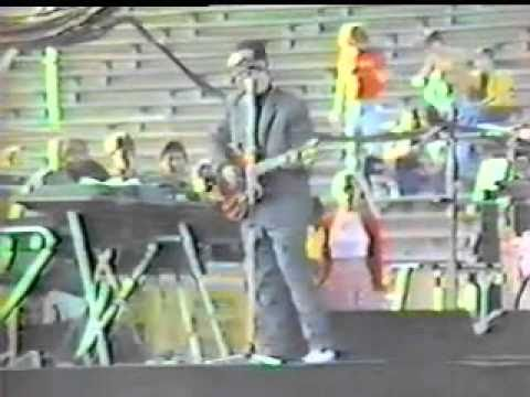 Elvis Costello - Watch Your Step 1982