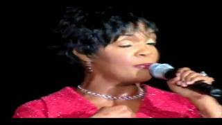 "CeCe Winans ""No One"" Live"