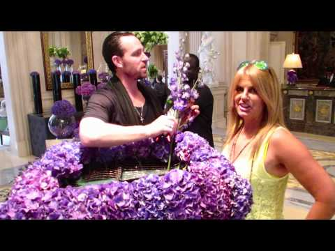 JEFF LEATHAM TEACHES ME FLOWERS AT GEORGE V PARIS
