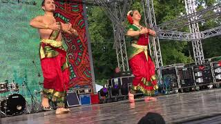 """Смотреть видео Концерт в """"День Индии"""" (Москва, Парк Сокольники, 11.08.2019) онлайн"""