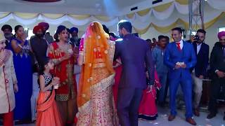 Groom Surprises Everyone With Dance Performance at Wedding