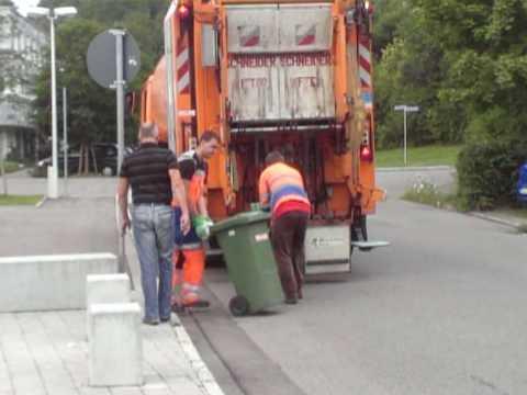 Martin Rosemann im Arbeitseinsatz bei der Tübinger Müllabfuhr