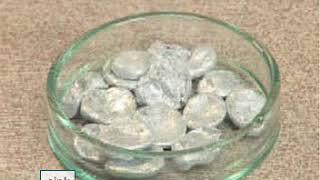 Hvordan reagerer metaller med syrer? Reaktive metaller