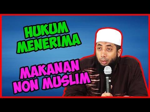 Hukum menerima makanan dari non muslim ● Ustadz Khalid Basalamah