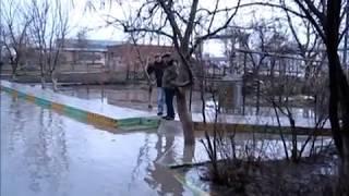 Наводнение на ул. Красная   17 марта 2014 продолжалось более пяти часов(, 2014-03-29T09:25:14.000Z)