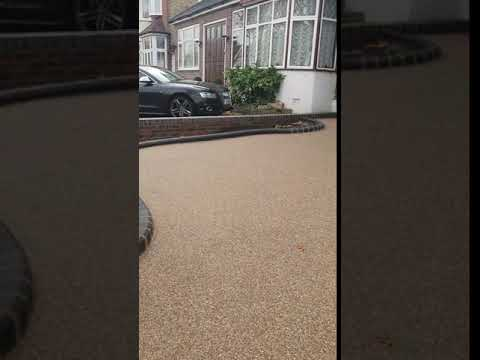 Resin Bound Driveway from Amwell Driveways and Landscaping Ltd