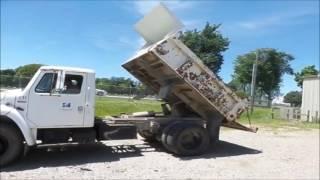 1985 International S1700 dump truck