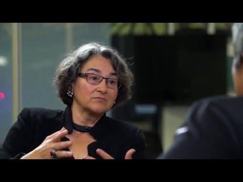 Guy Kawasaki interviews Joanna Hoffman at the Women of Influence panel event