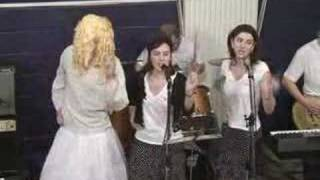 Flying T & The Pipettes - Your kisses are wasted on me