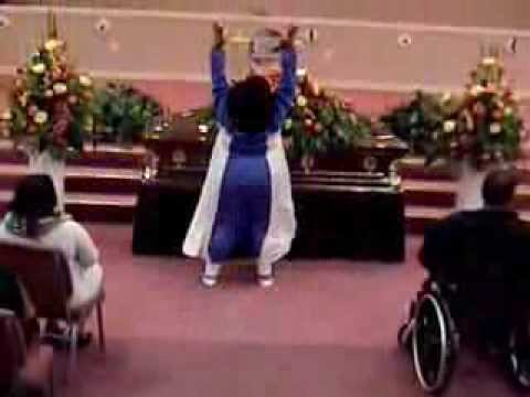 "JAMILAH FARLEY PRAISE DANCE TO ""THERE HE IS"" BY TRIN-I-TEE"