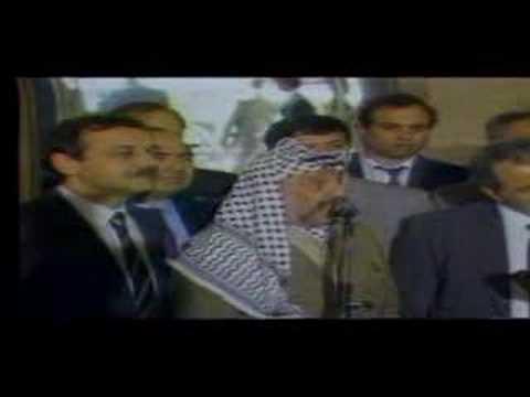 Yasser Arafat doublage des bleu poudre