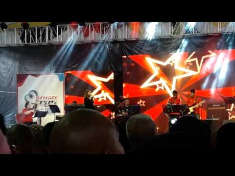 Karam Ba Ati ( Live ) - Karen Libau