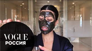 Кортни Кардашьян показывает как приготовить очищающую маску для лица и скраб для губ дома