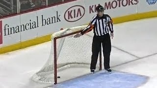 Patrick Kane scores own goal in empty-net