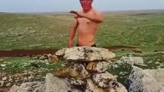 BU ADAM ÇILDIRMIŞ
