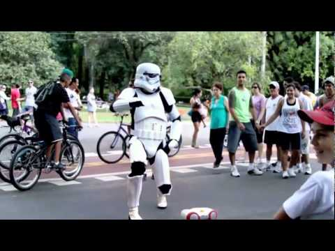 Star Wars Day - Um Stormtrooper No Parque