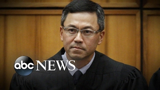 Hawaii judge puts Trump