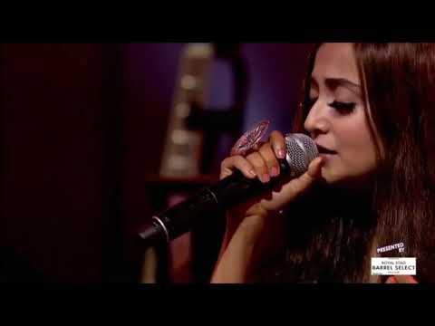 Moh moh ke dhaage song by Monali Thakur ....
