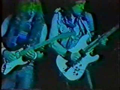 Iron Maiden - Walking on Glass (Guitar Solo) - Live '86